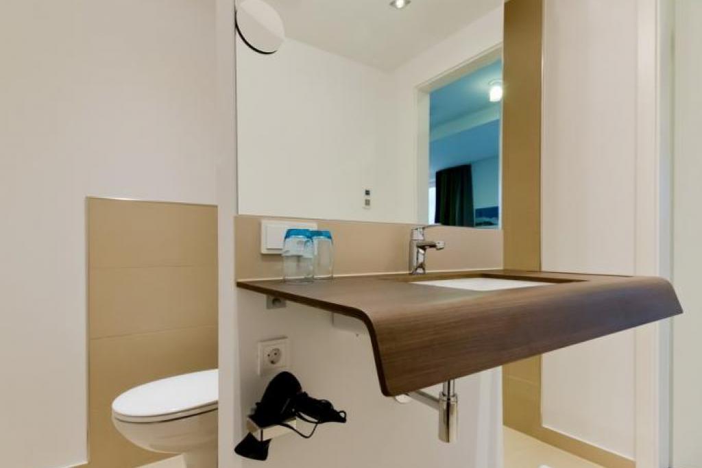 ferienwohnung duhner strandhus s301 mit seeblick balkon und internetanschluss in duhnen hamer. Black Bedroom Furniture Sets. Home Design Ideas