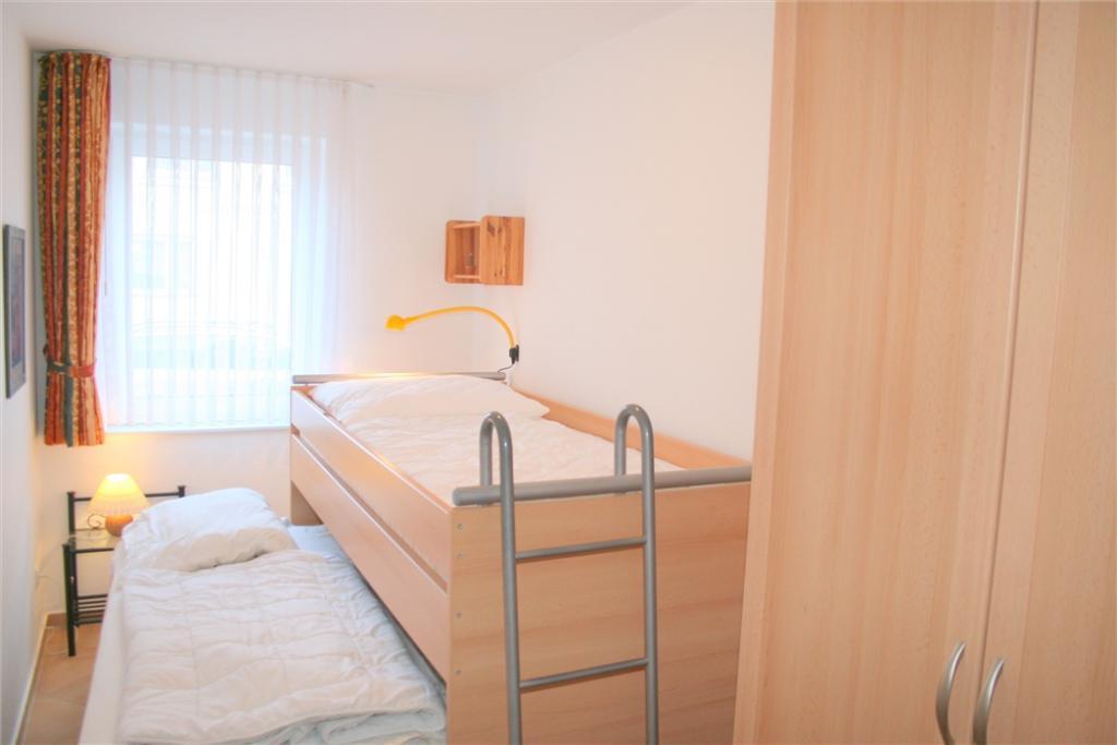 ferienwohnung duhner brise db7 mit terrasse und. Black Bedroom Furniture Sets. Home Design Ideas